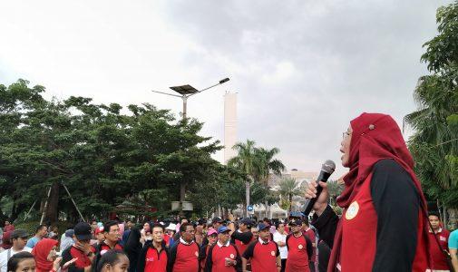 Meriahnya Jalan Sehat Fakultas Hukum UNAIR