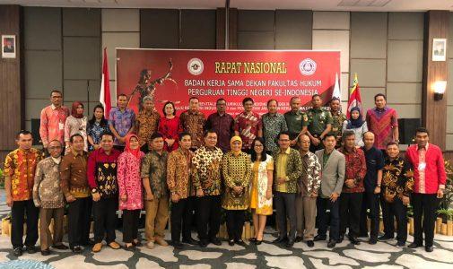 KURIKULUM S1 FAKULTAS HUKUM UNIVERSITAS AIRLANGGA MENJADI ACUAN DALAM Re-DISAIN  KURIKULUM FAKULTAS HUKUM SE-INDONESIA